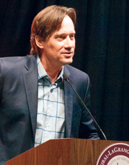 Actor Kevin Sorbo tells his story of faith and recovery to boosters at Hannibal-LaGrange University. (HLG)