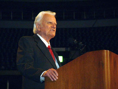 Billy Graham speaking at the opening session of his four-day Metroplex Mission in Irving, Texas, in 2002. Photo by Marcia Davis.