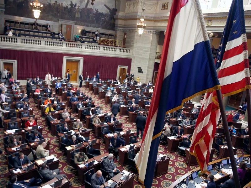 Members of the Missouri House of Representatives work on the final day of the legislative session on May 13, 2016, at the Capitol in Jefferson City, Mo. (AP Photo/Jeff Roberson)