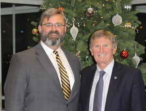Anthony Allen (left) and Steve Spurrier at the annual Hannibal-LaGrange University Booster Banquet on Nov. 16, 2017, at which Spurrier gave the keynote address. (Hannibal-LaGrange University)