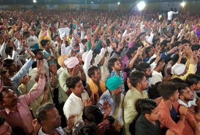 """Technology """"allows us to do something unusual,"""" evangelist Sammy Tippit says of his preaching to responsive crowds in India via Skype. Photo courtesy of Sammy Tippit Ministries"""