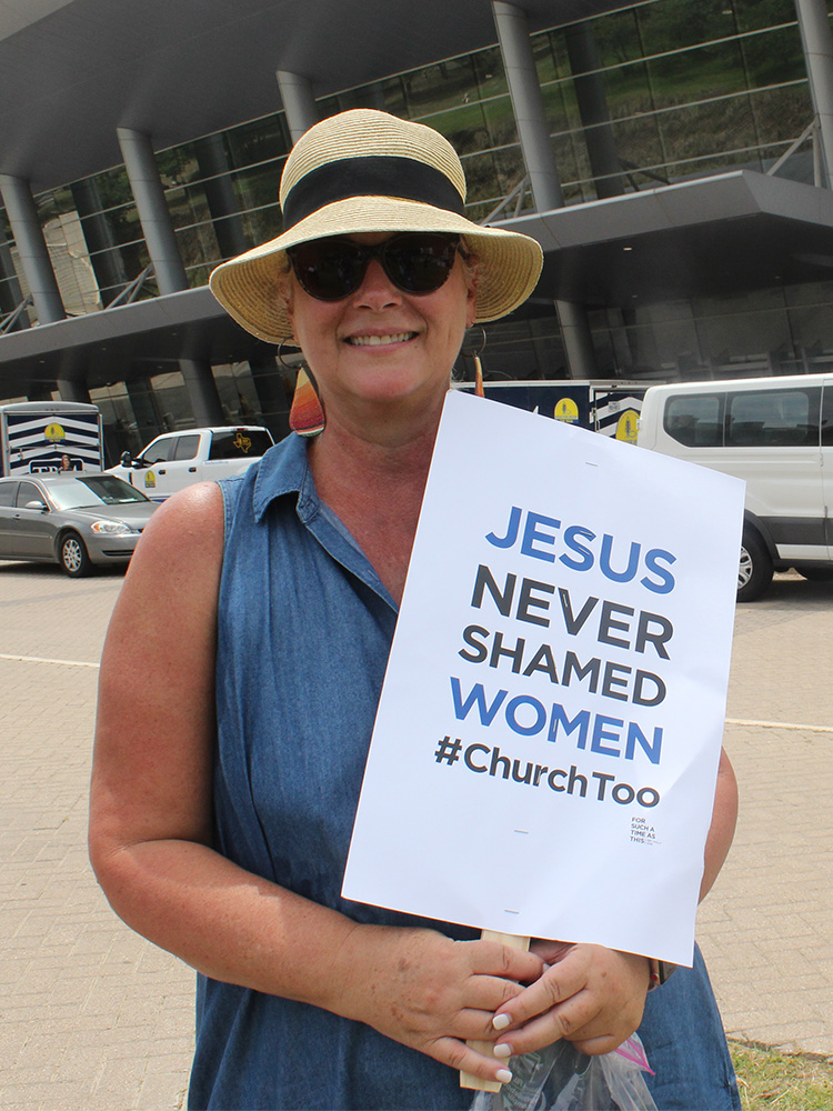 """Ginny Dodson attends the """"For Such a Time as This Rally"""" outside the Southern Baptist Convention annual meeting at the Kay Bailey Hutchison Convention Center on June 12, 2018, in Dallas. RNS photo by Adelle M. Banks"""