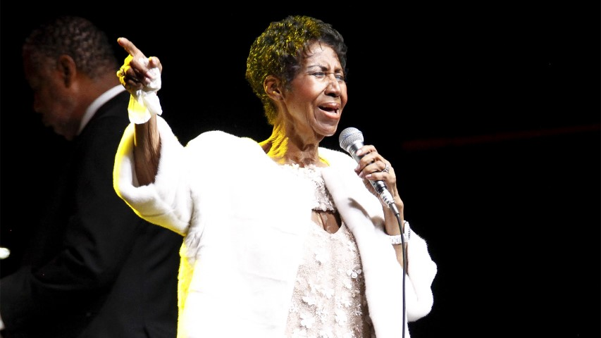 Aretha Franklin performs at the Elton John AIDS Foundation's 25th Anniversary Gala at The Cathedral of St. John the Divine on Nov. 7, 2017, in New York. (Photo by Andy Kropa/Invision/AP)