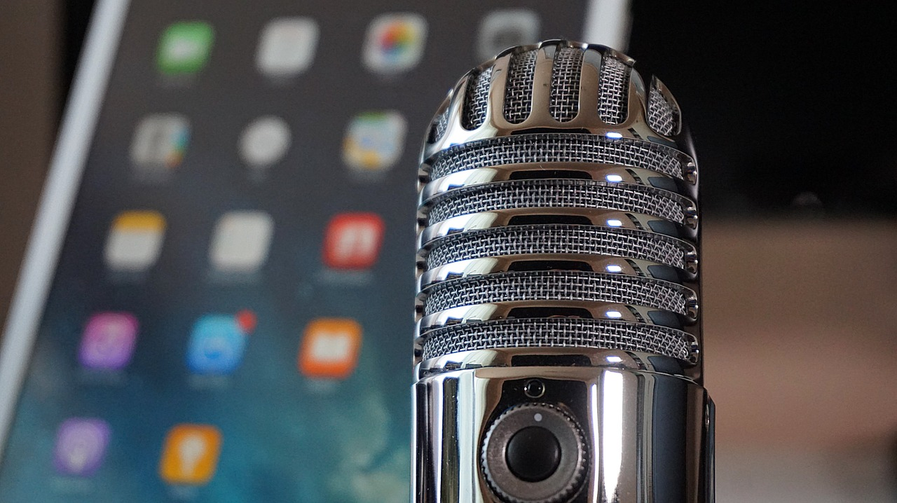 Research finds 44 percent of all Americans have listened to a podcast, with 26 percent listening at least monthly. (Pixabay)