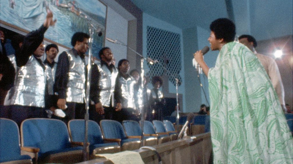 Aretha Franklin with choir