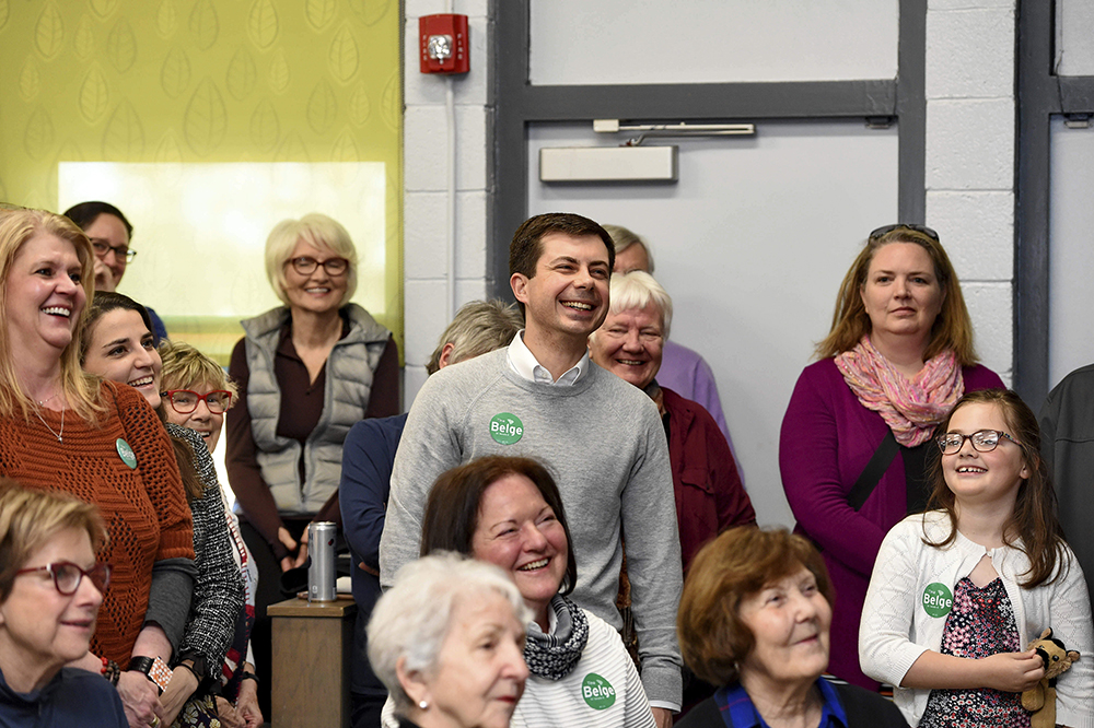 Pete Buttigieg with crowd