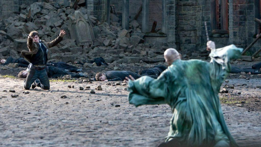 Harry Potter and Voldemort battle
