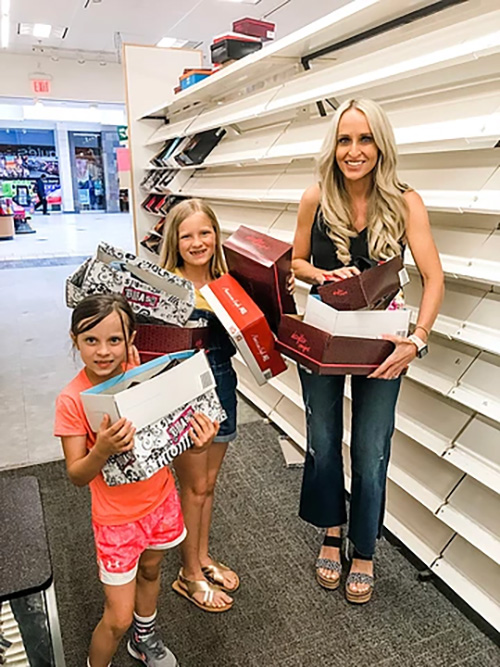 Carrie Jernigan and her daughters